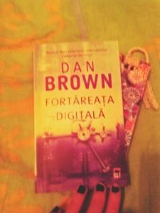 Fortareata_digitala_Dan_Brown_Recenzie