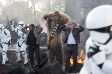 star-wars-episode-vii-the-force-awakens-384334l-1600x1200-n-9336e46d