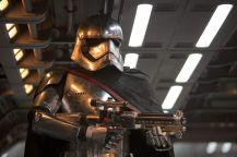 star-wars-episode-vii-the-force-awakens-962899l-1600x1200-n-d6d5d006